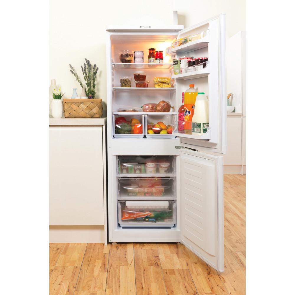 Indesit Комбиниран хладилник с камера Свободностоящи NCAA 55 Бял 2 врати Lifestyle frontal open