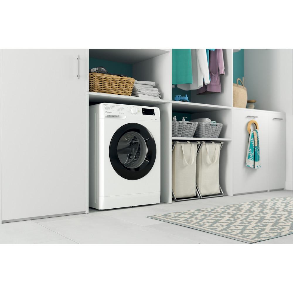 Indsit Maşină de spălat rufe Independent MTWSE 61252 WK EE Alb Încărcare frontală F Lifestyle perspective