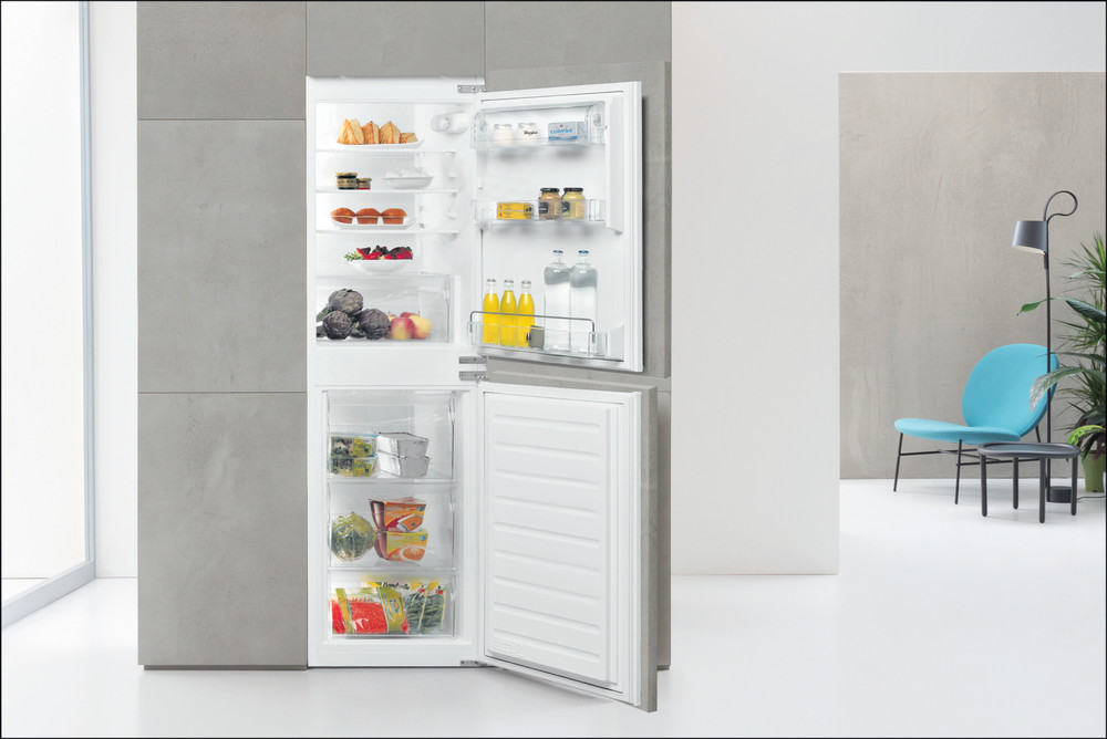 Whirlpool Fridge-Freezer Combination Built-in ART 4550 SF1 White 2 doors Lifestyle frontal open