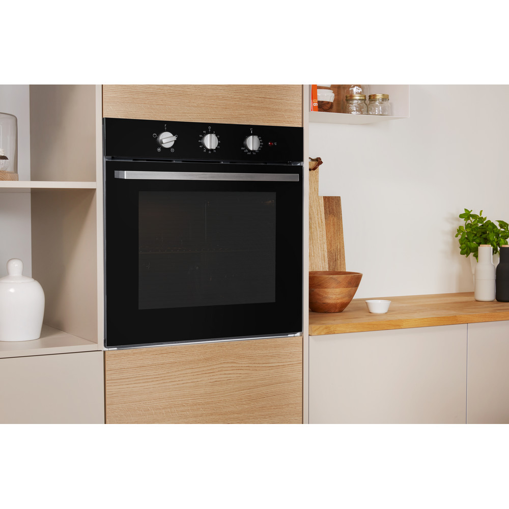 Indesit OVEN Built-in IFW 6330 BL UK Electric A Lifestyle perspective