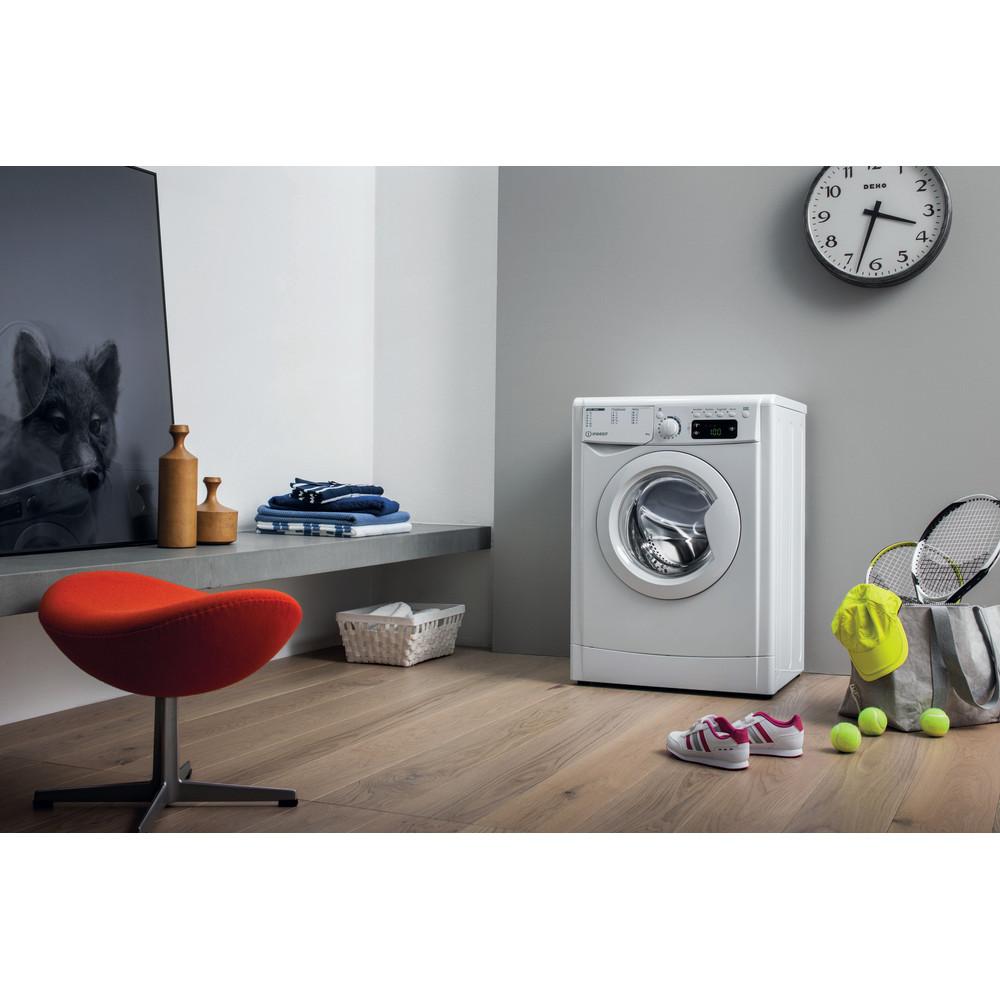 Indesit Waschmaschine Freistehend EWE 61251E W EU N Weiß Frontlader F Lifestyle perspective