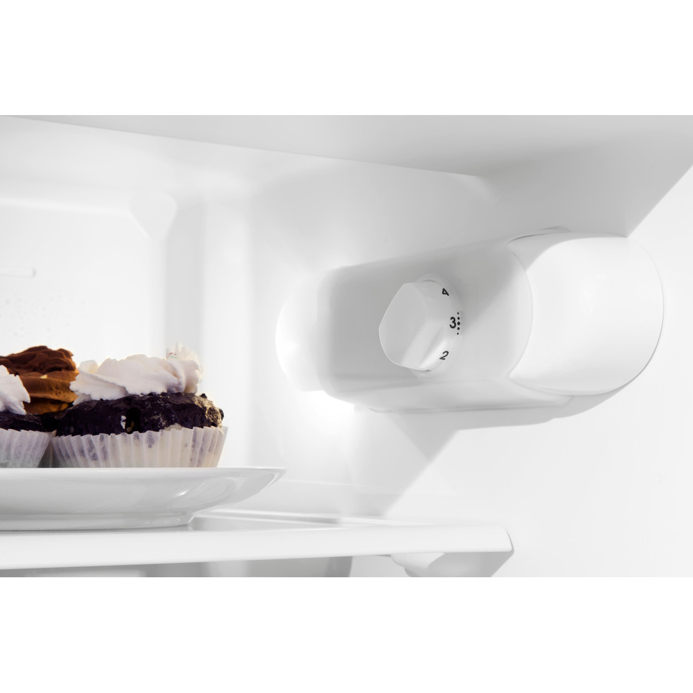 Indesit Холодильник с морозильной камерой Встраиваемый B 18 A1 D/I Сталь 2 doors Lifestyle control panel