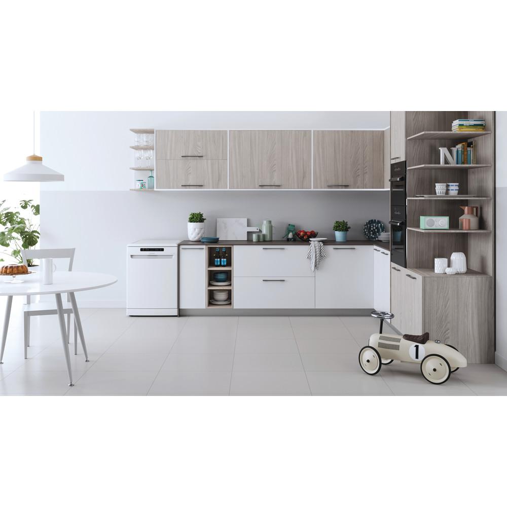 Indesit Dishwasher Free-standing DFC 2C24 UK Free-standing E Lifestyle frontal