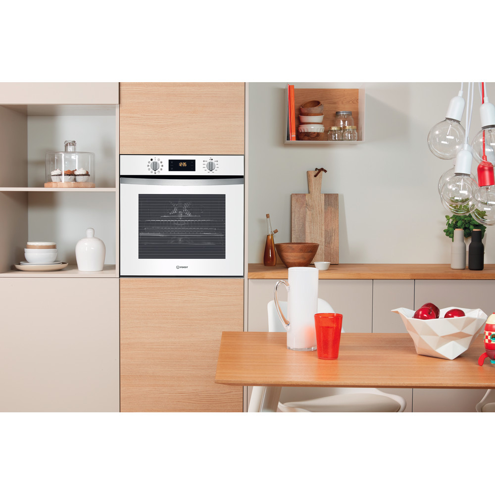 Indesit Forno Da incasso IFW 4844 H WH Elettrico A+ Lifestyle_Frontal