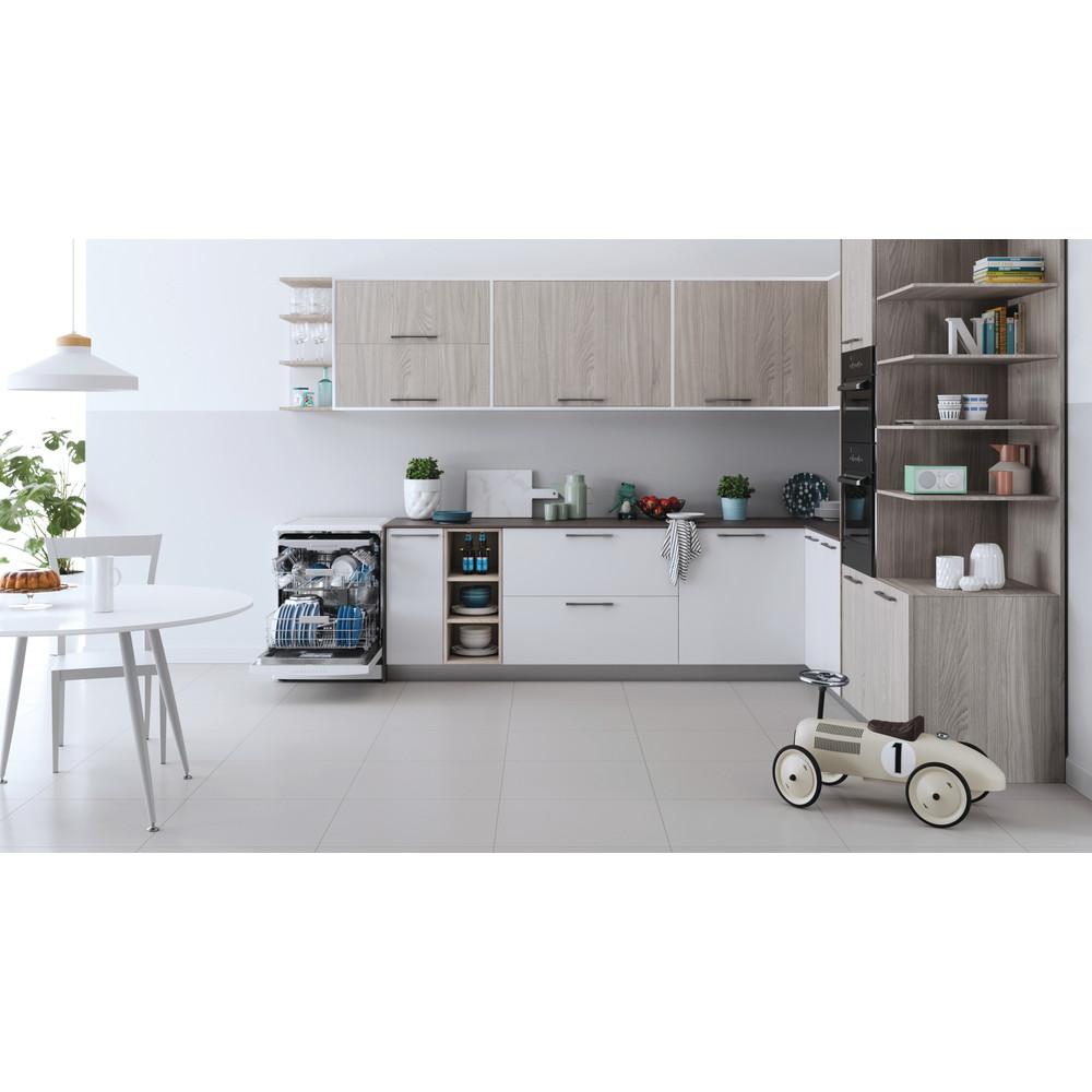 Indesit Lave-vaisselle Pose-libre DFO 3T133 A F Pose-libre D Lifestyle frontal open