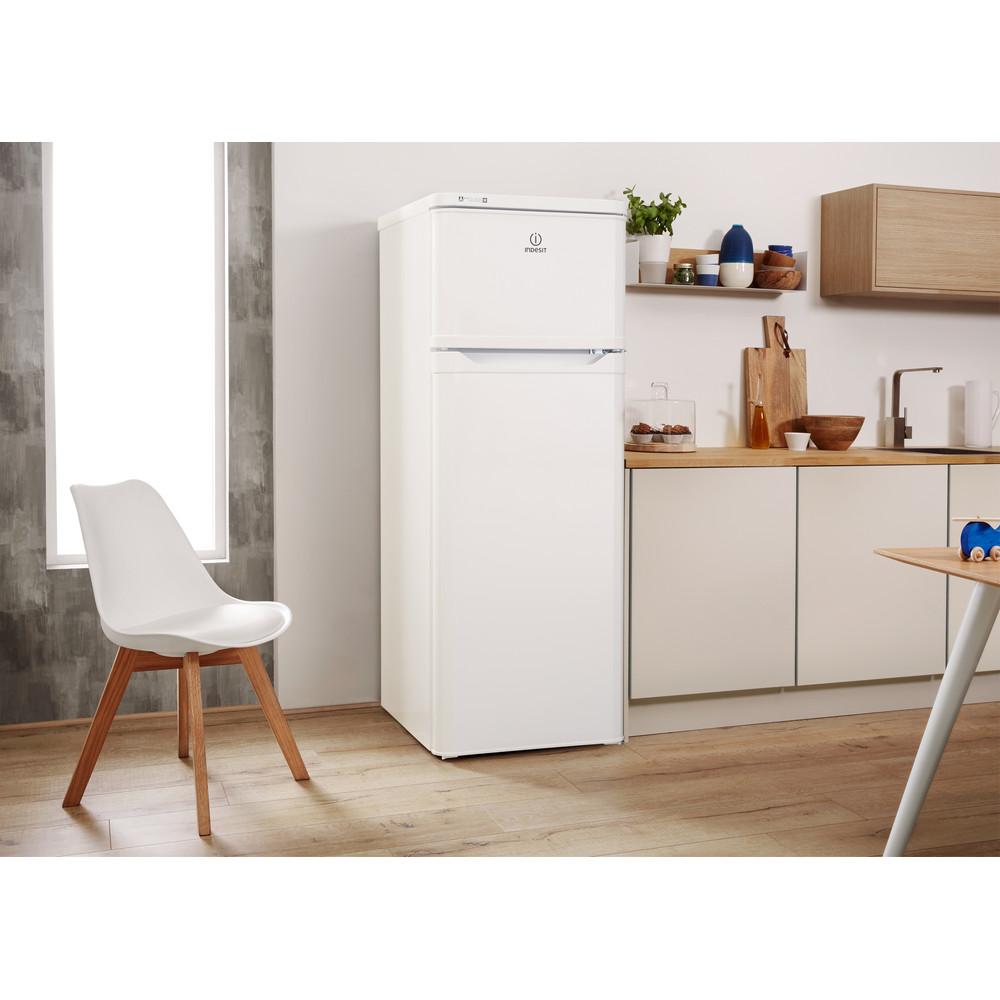 Indesit Kombinovaná chladnička s mrazničkou Voľne stojace RAAA 29 Biela 2 doors Lifestyle perspective