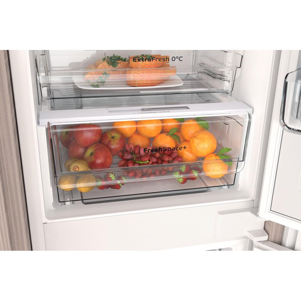 Indesit Combiné réfrigérateur congélateur Encastrable INC18 T332 Blanc 2 portes Drawer