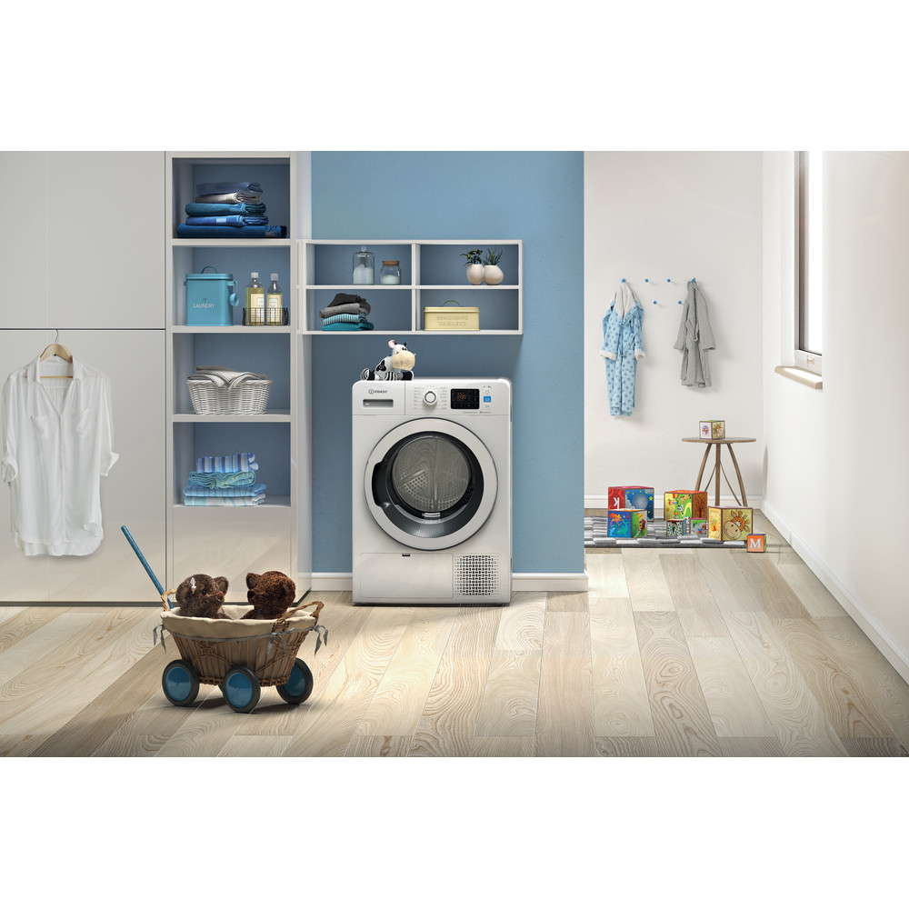 Indesit Secadora YT M11 82K RX SPT Blanco Lifestyle frontal