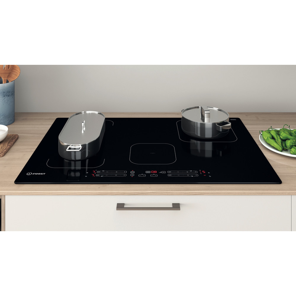 Indesit Kookplaat IB 21B77 NE Zwart Induction vitroceramic Lifestyle frontal top down