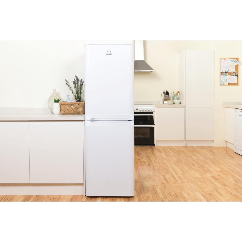 Indesit Комбиниран хладилник с камера Свободностоящи CAA 55 1 Бял 2 врати Lifestyle frontal