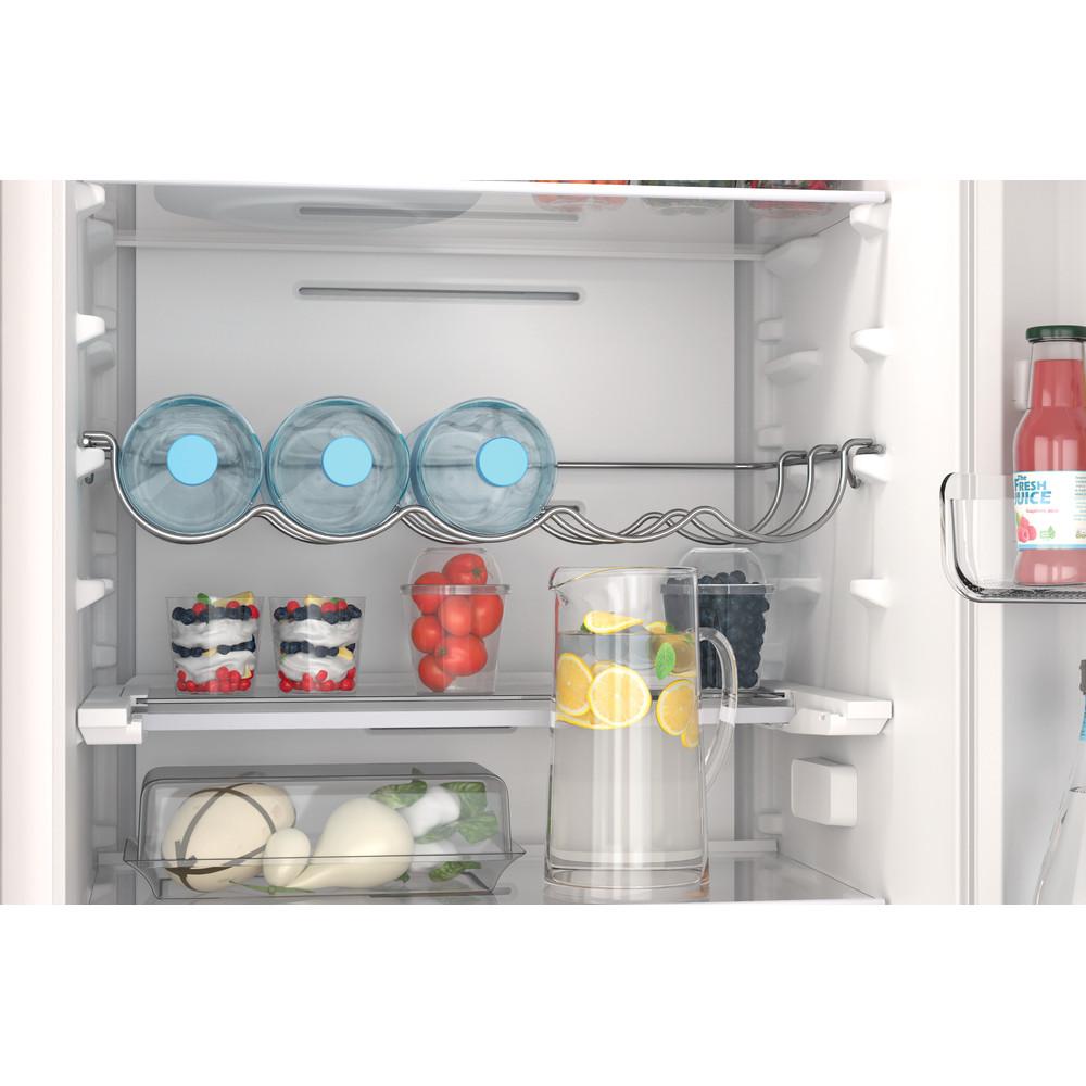 Indesit Combiné réfrigérateur congélateur Encastrable INC18 T332 Blanc 2 portes Lifestyle detail