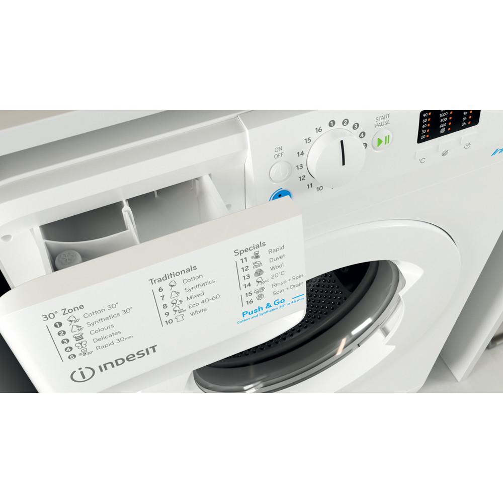 """""""Indesit"""" Skalbimo mašina Laisvai pastatoma BWSA 71251 W EE N Balta Pakraunama iš priekio E Drawer"""