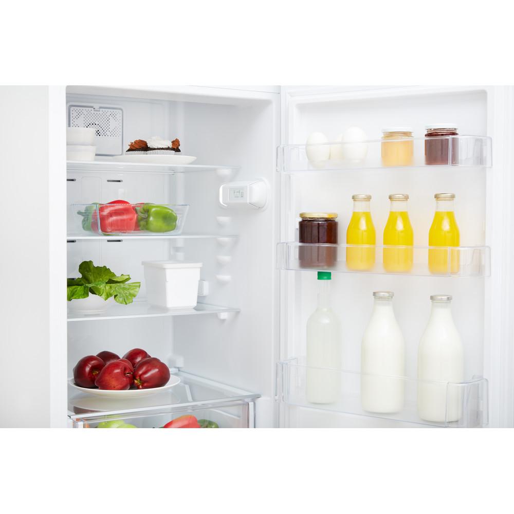 Indesit Kombinovaná chladnička s mrazničkou Voľne stojace XIT8 T1E W Biela 2 doors Lifestyle detail
