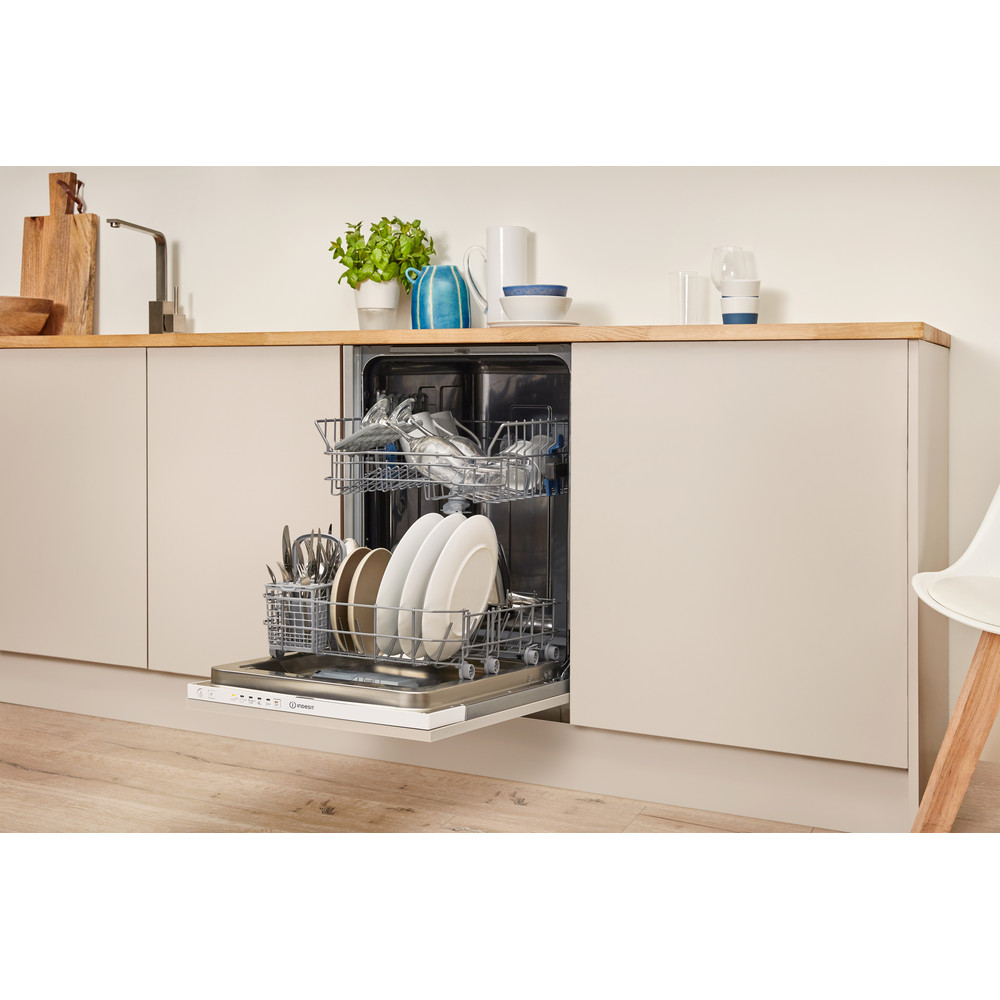 Indesit Посудомоечная машина Встроенная DSIE 2B10 Full-integrated A+ Lifestyle perspective open