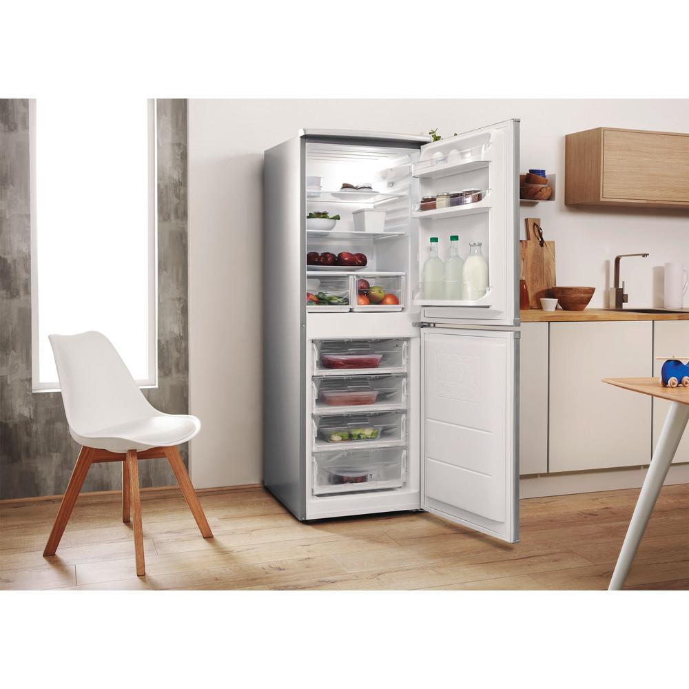 Indesit Combiné réfrigérateur congélateur Pose-libre CAA 55 NX 1 Inox 2 portes Lifestyle perspective open
