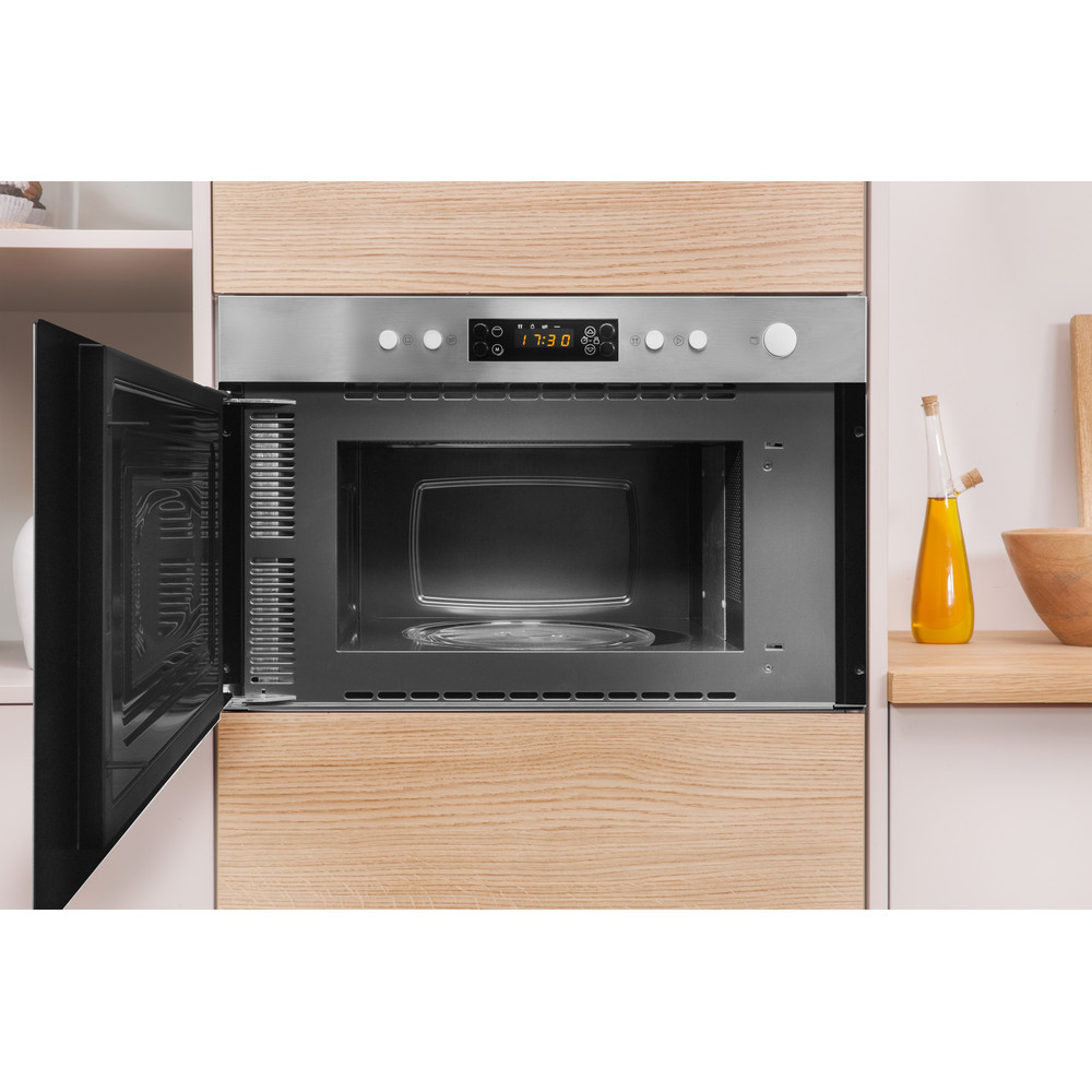 Indesit Microwave Built-in MWI 3213 IX UK Inox Electronic 22 MW+Grill function 750 Lifestyle frontal open