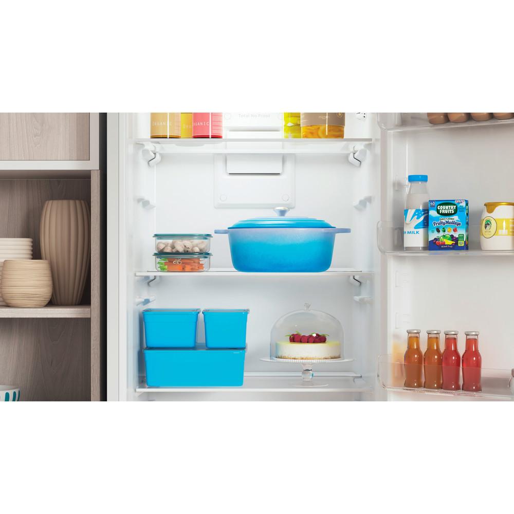 Indesit Холодильник с морозильной камерой Отдельностоящий ITS 4200 W Белый 2 doors Lifestyle detail