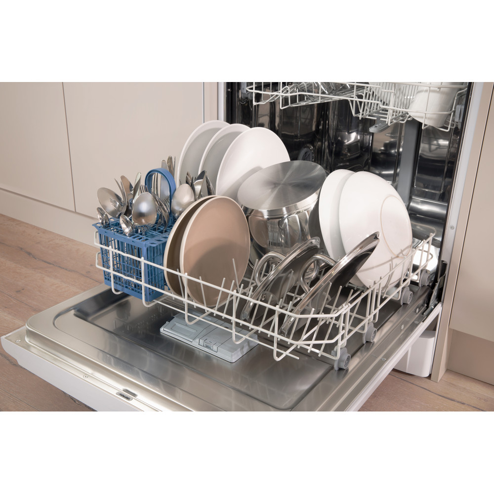 Indesit Dishwasher Free-standing DFG 15B1 UK Free-standing A Lifestyle detail