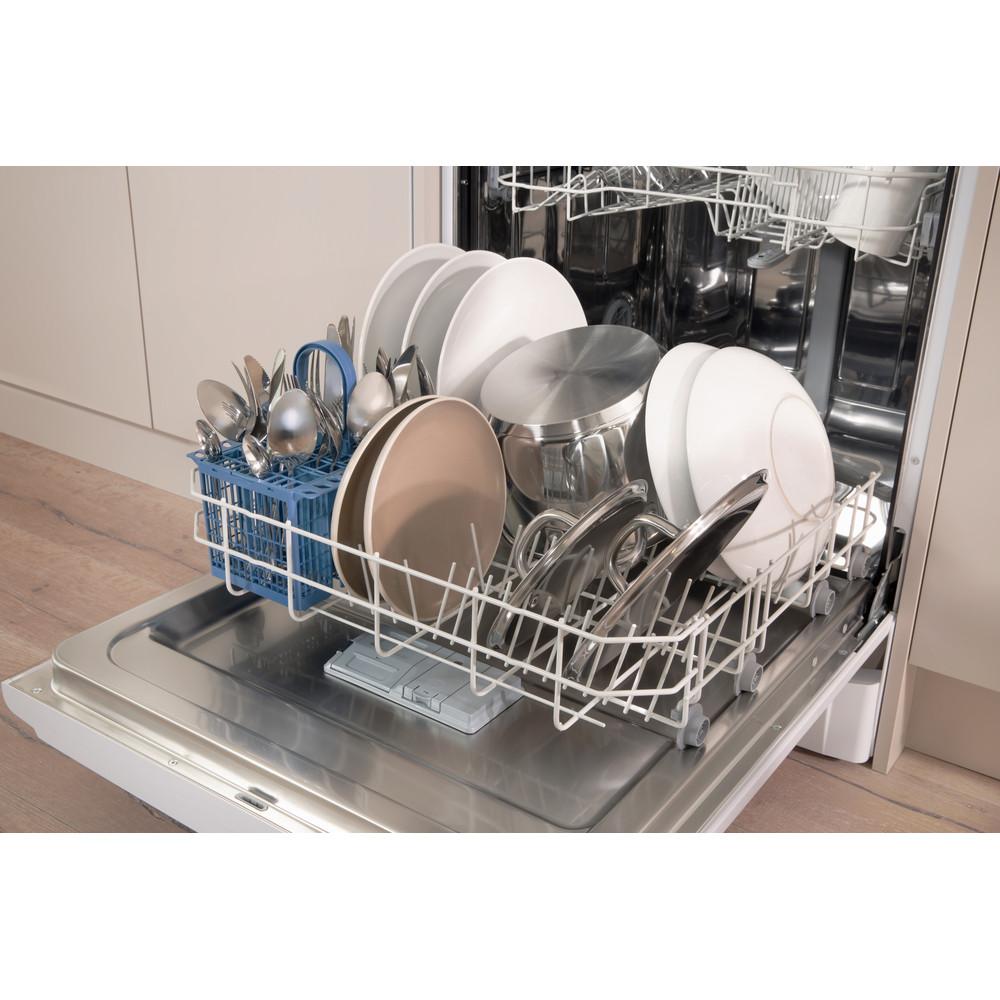 Indesit Umývačka riadu Voľne stojace DFG 15B10 EU Voľne stojace A Lifestyle detail