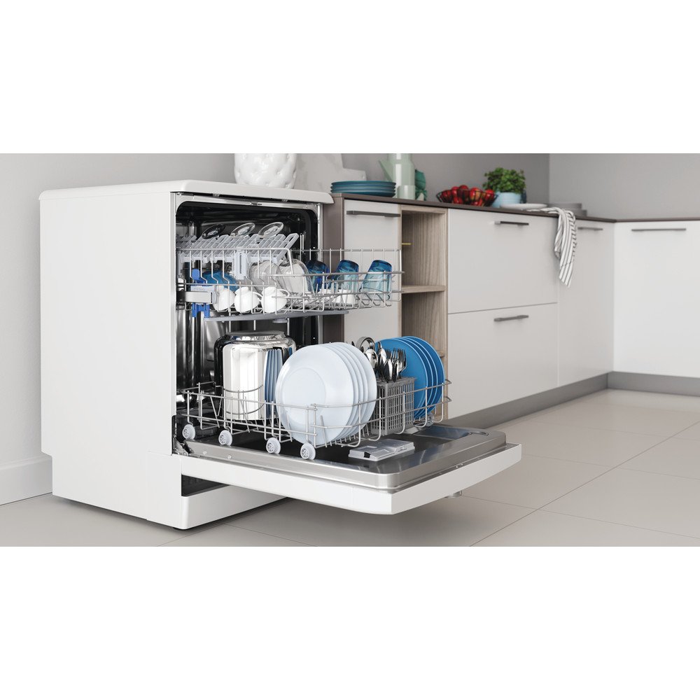 Indesit Посудомоечная машина Отдельностоящий DFE 1B19 13 Отдельностоящий A Lifestyle perspective open