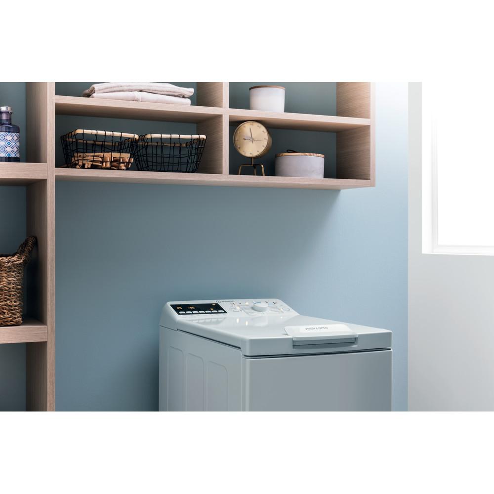 Indsit Maşină de spălat rufe Independent BTW B7220P EU/N Alb Încărcare Verticală E Lifestyle control panel