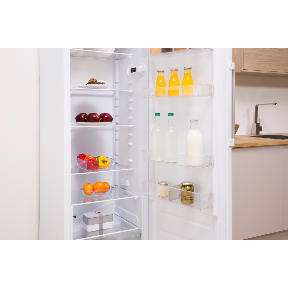 Indesit Refrigerator Free-standing SI8 1Q WD UK 1 Global white Lifestyle perspective open