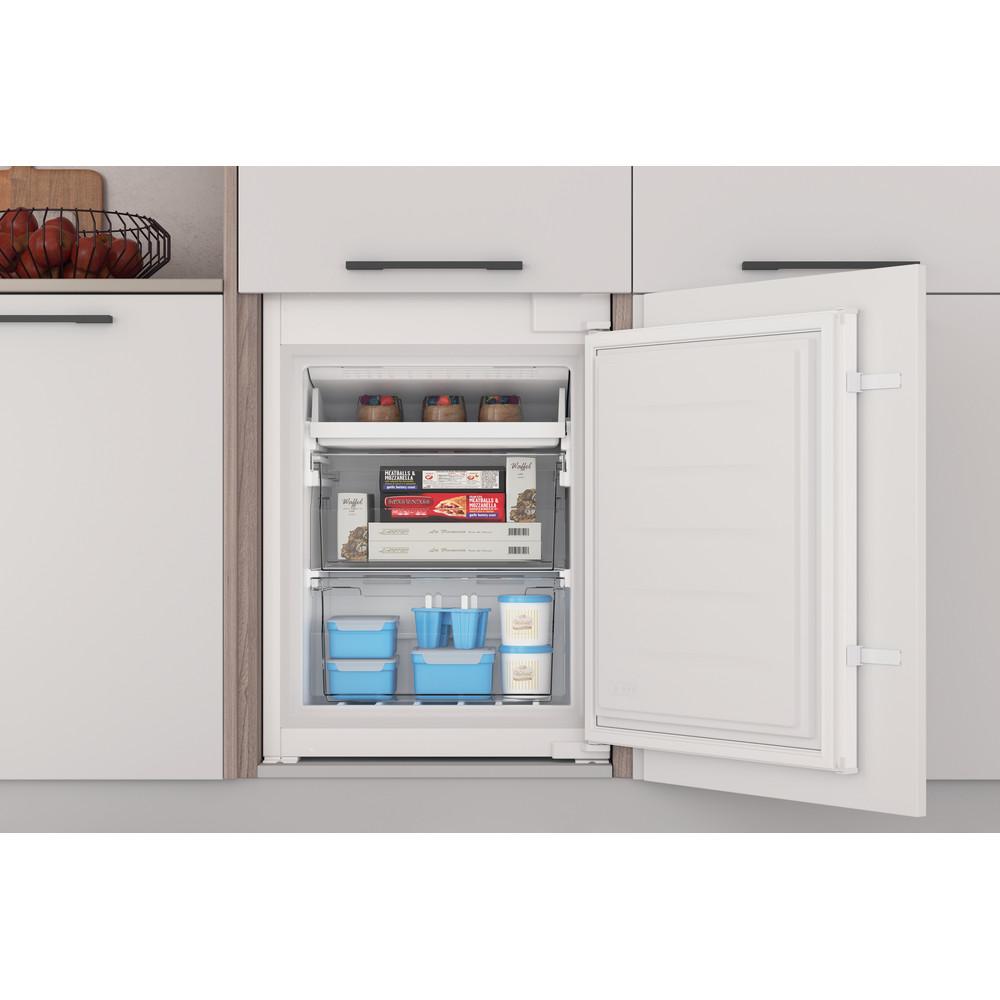 Indesit Réfrigérateur combiné Encastrable INC18 T311 Blanc 2 portes Lifestyle frontal open