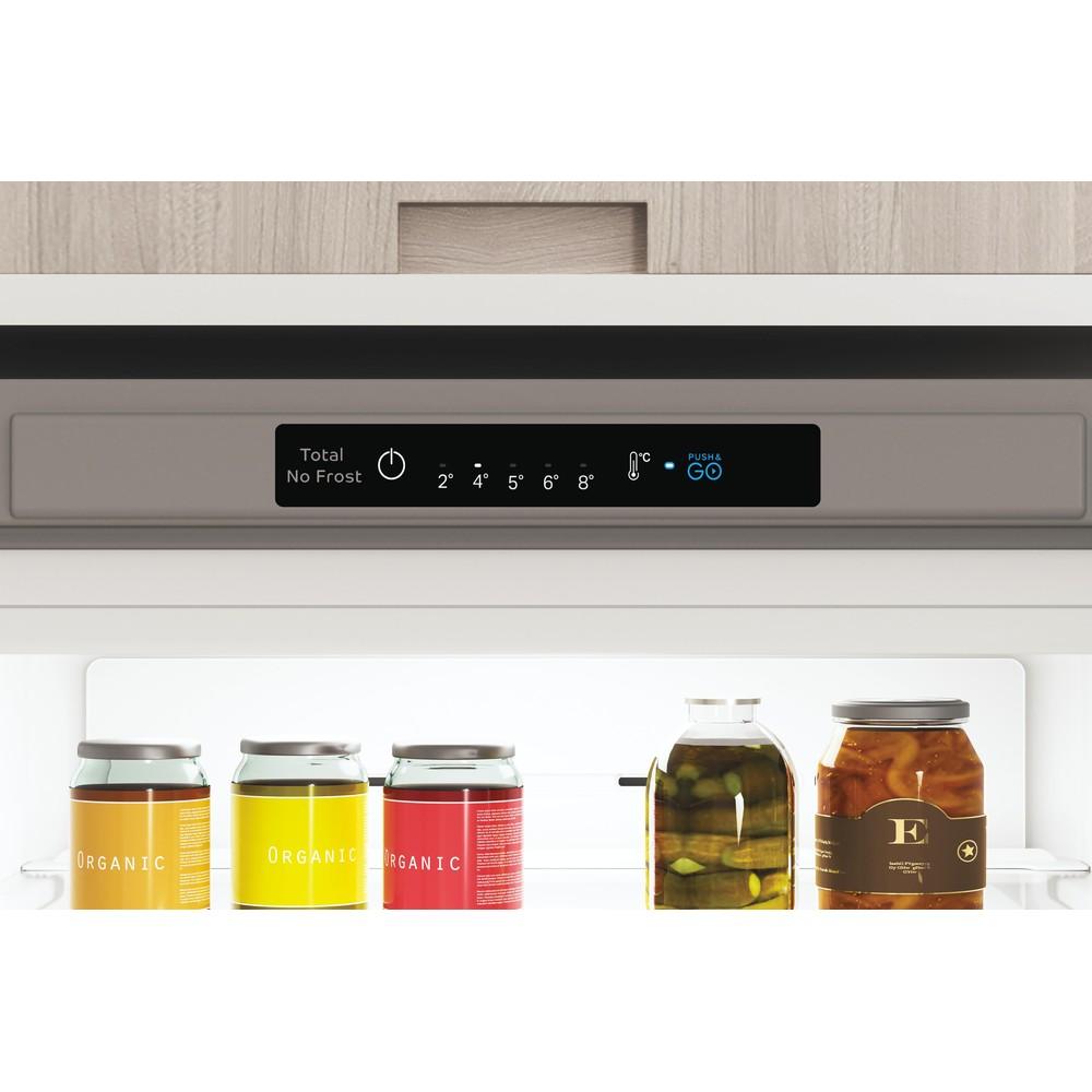 Indesit Combinazione Frigorifero/Congelatore A libera installazione INFC8 TI21X Inox 2 porte Lifestyle control panel