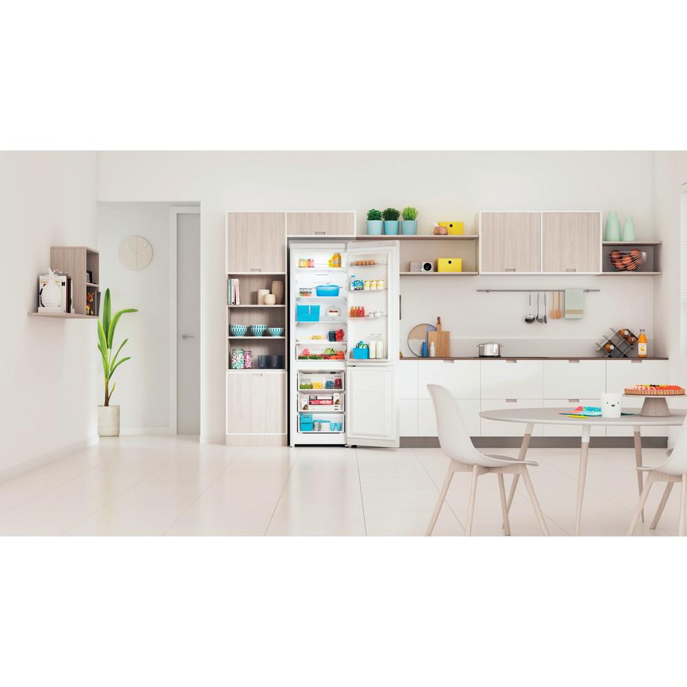 Indesit Холодильник с морозильной камерой Отдельностоящий ITS 5200 W Белый 2 doors Lifestyle frontal open