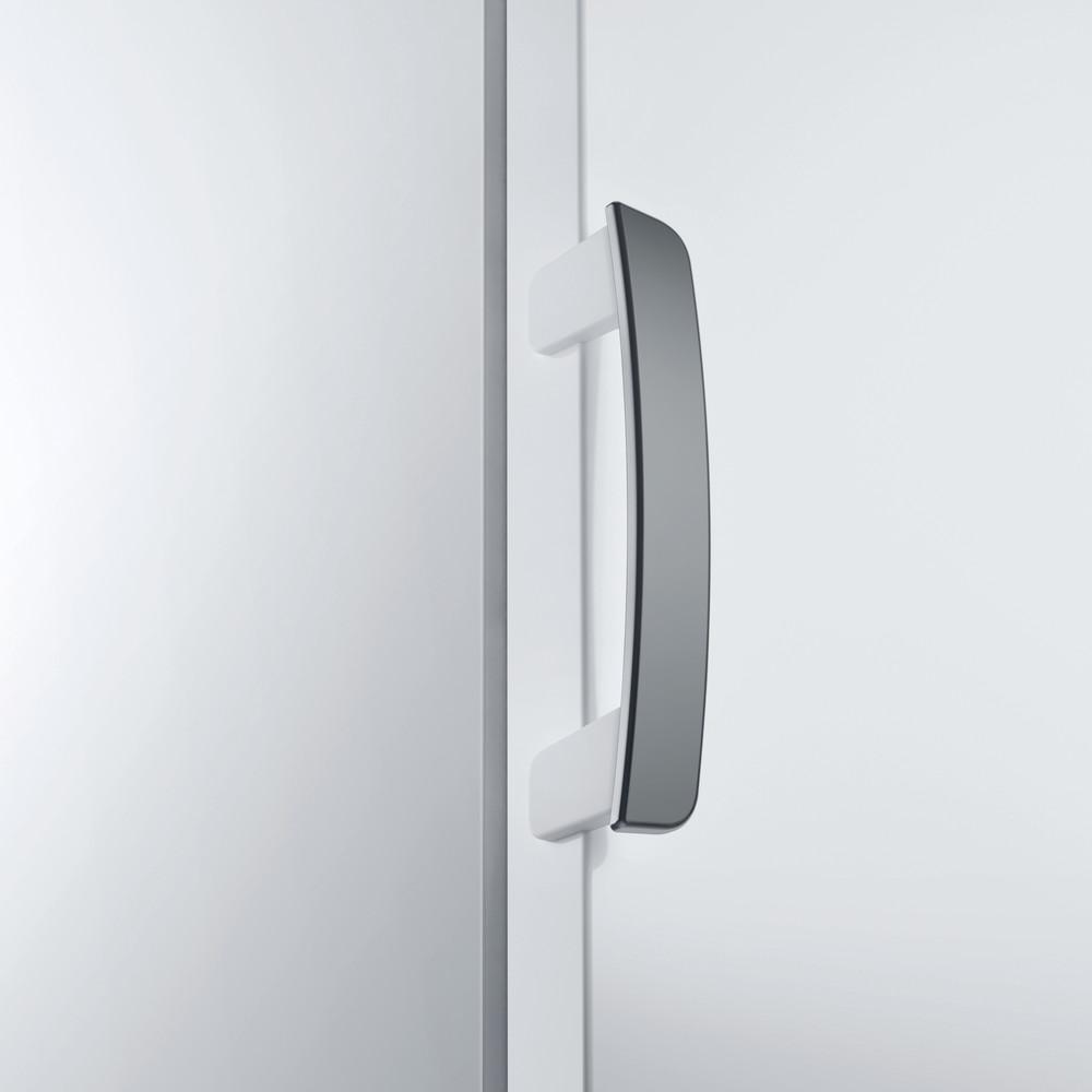 Indesit Морозильная камера Отдельностоящий ITU 1150 Белый Lifestyle_Detail