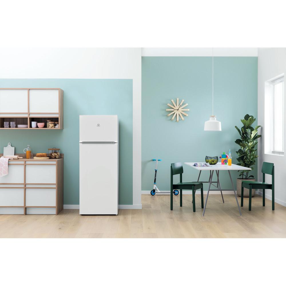 Indesit Kombinovaná chladnička s mrazničkou Voľne stojace I55TM 4120 W Biela 2 doors Lifestyle frontal