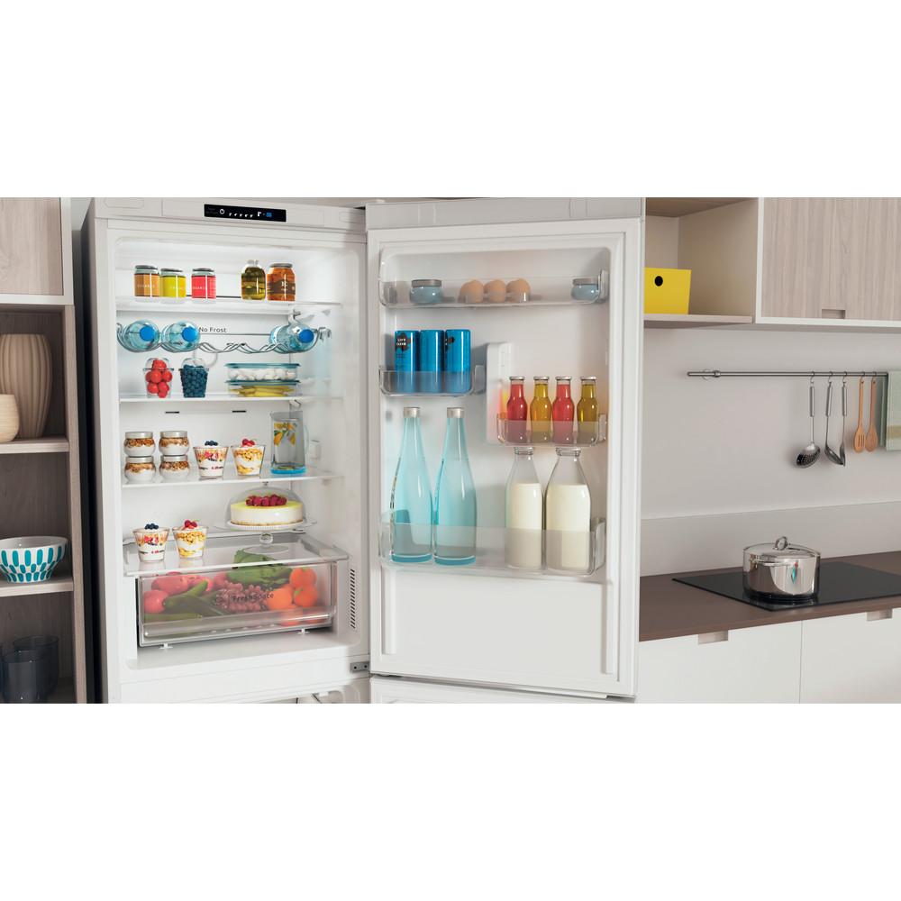 Indesit Kombinovaná chladnička s mrazničkou Voľne stojace INFC8 TI21W Biela 2 doors Lifestyle detail