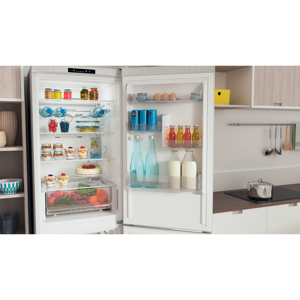 Indesit Külmik-sügavkülmik Eraldiseisev INFC8 TI21W Valge 2 doors Lifestyle detail