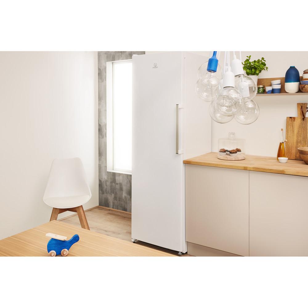 Indesit Congelador Livre Instalação UI6 F1T W Branco global Lifestyle perspective