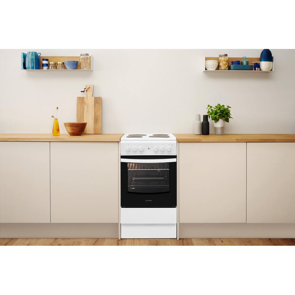 Indesit Cooker IS5E4KHW/UK White Electrical Lifestyle frontal