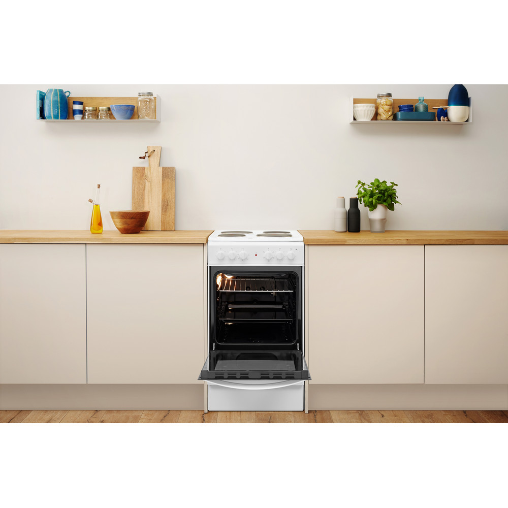 Indesit Cooker IS5E4KHW/UK White Electrical Lifestyle frontal open