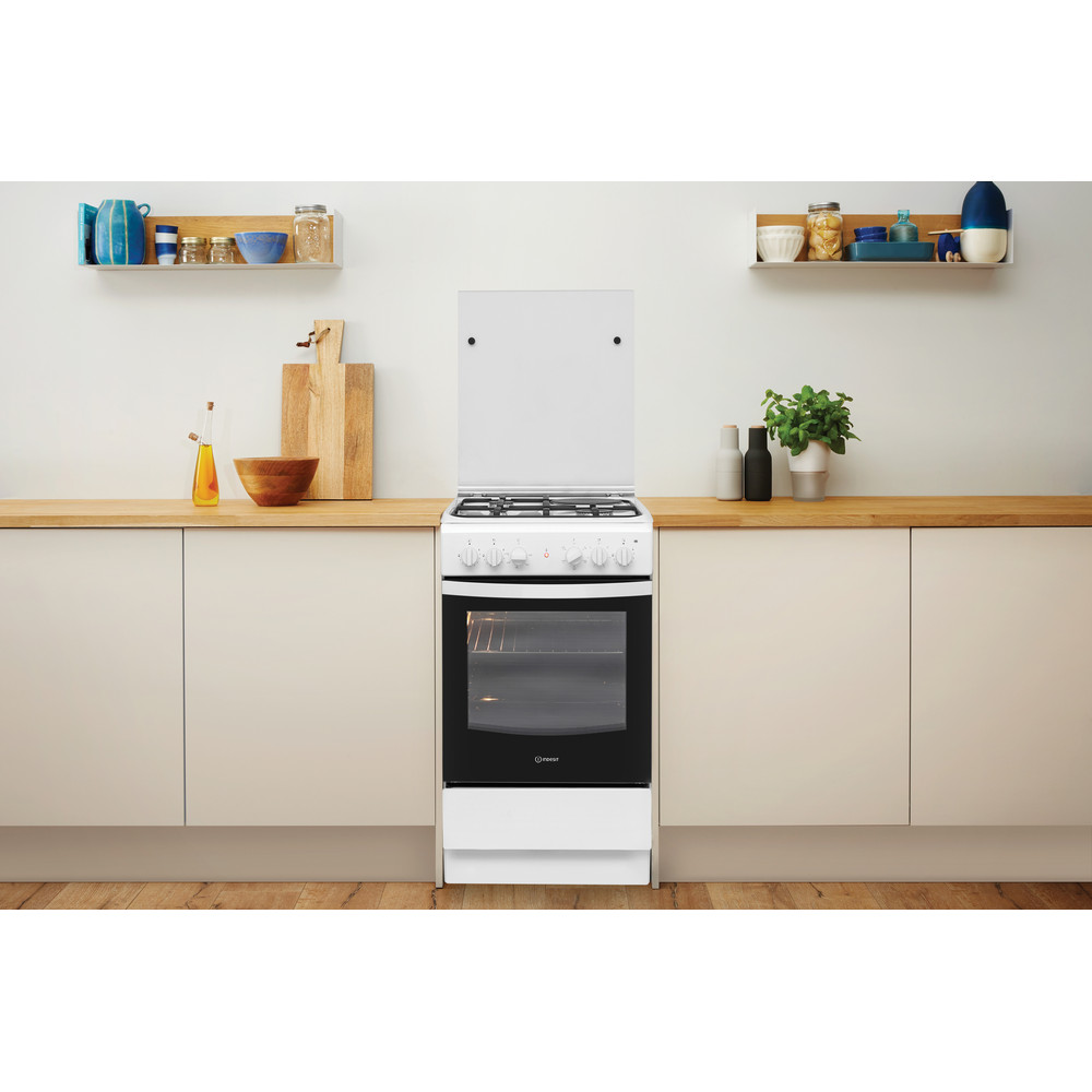 Indesit Готварска печка IS5M4KCW/E Бял Смесени Lifestyle frontal