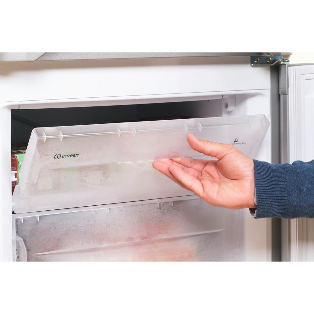 Indesit Fridge Freezer Free-standing IBD 5515 S 1 Silver 2 doors Lifestyle people