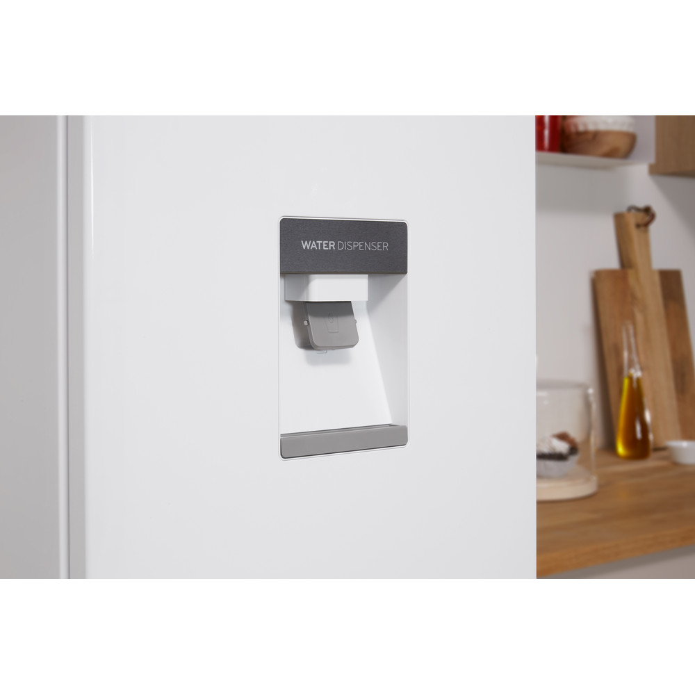 Indesit Комбиниран хладилник с камера Свободностоящи LR8 S1 W AQ Бял 2 врати Lifestyle detail