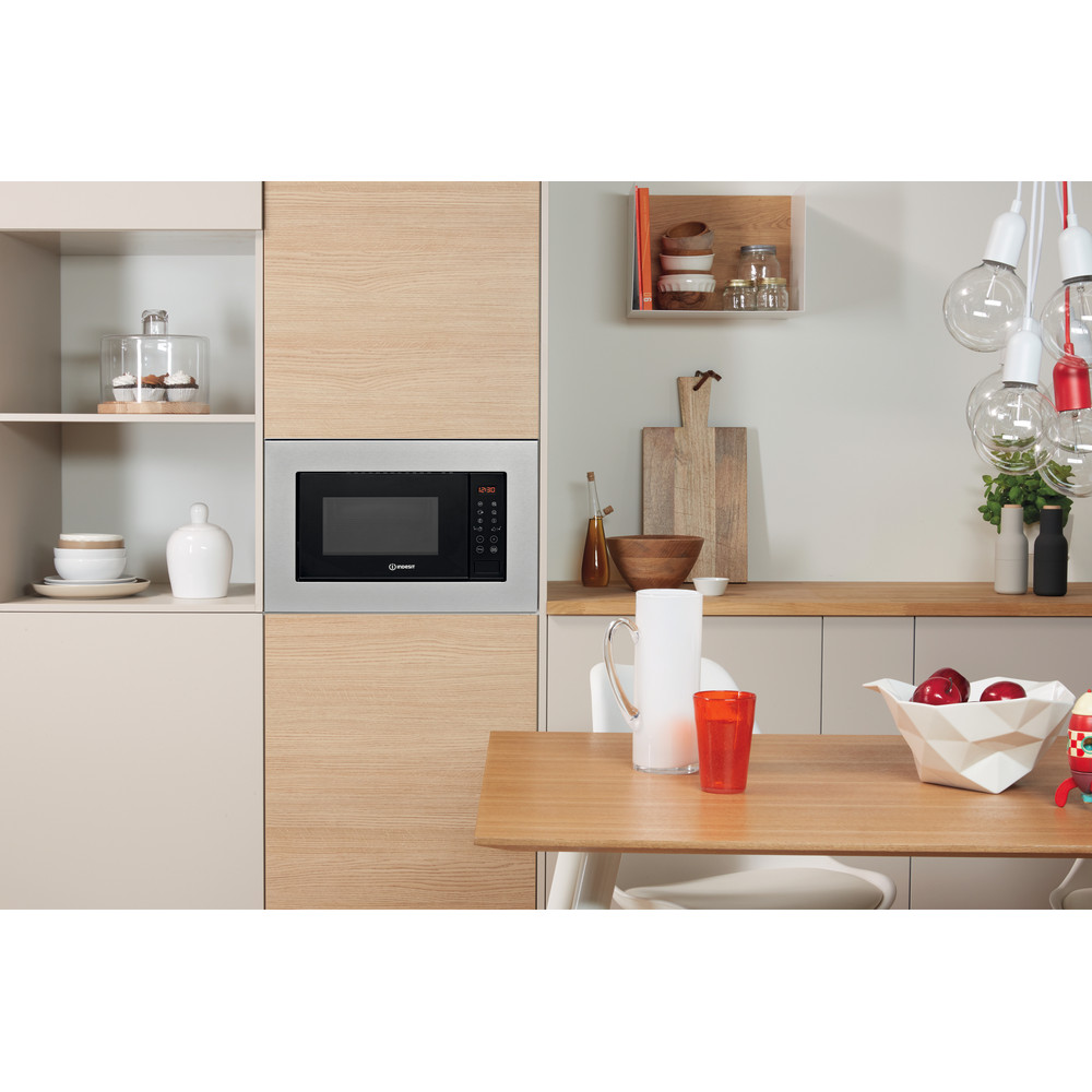 Indesit Microwave Built-in MWI 120 GX UK Stainless steel Electronic 20 MW+Grill function 800 Lifestyle frontal