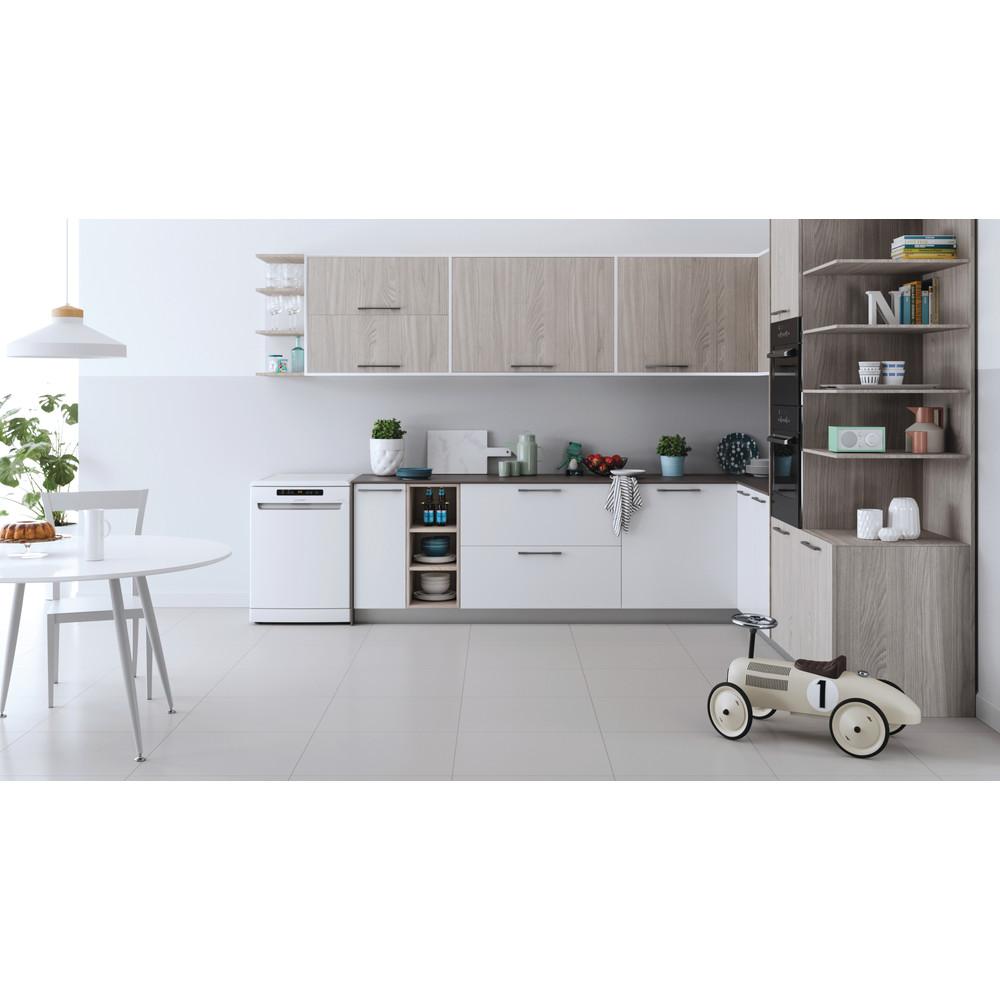 Indesit Lave-vaisselle Pose-libre DFO 3T133 A F Pose-libre D Lifestyle frontal
