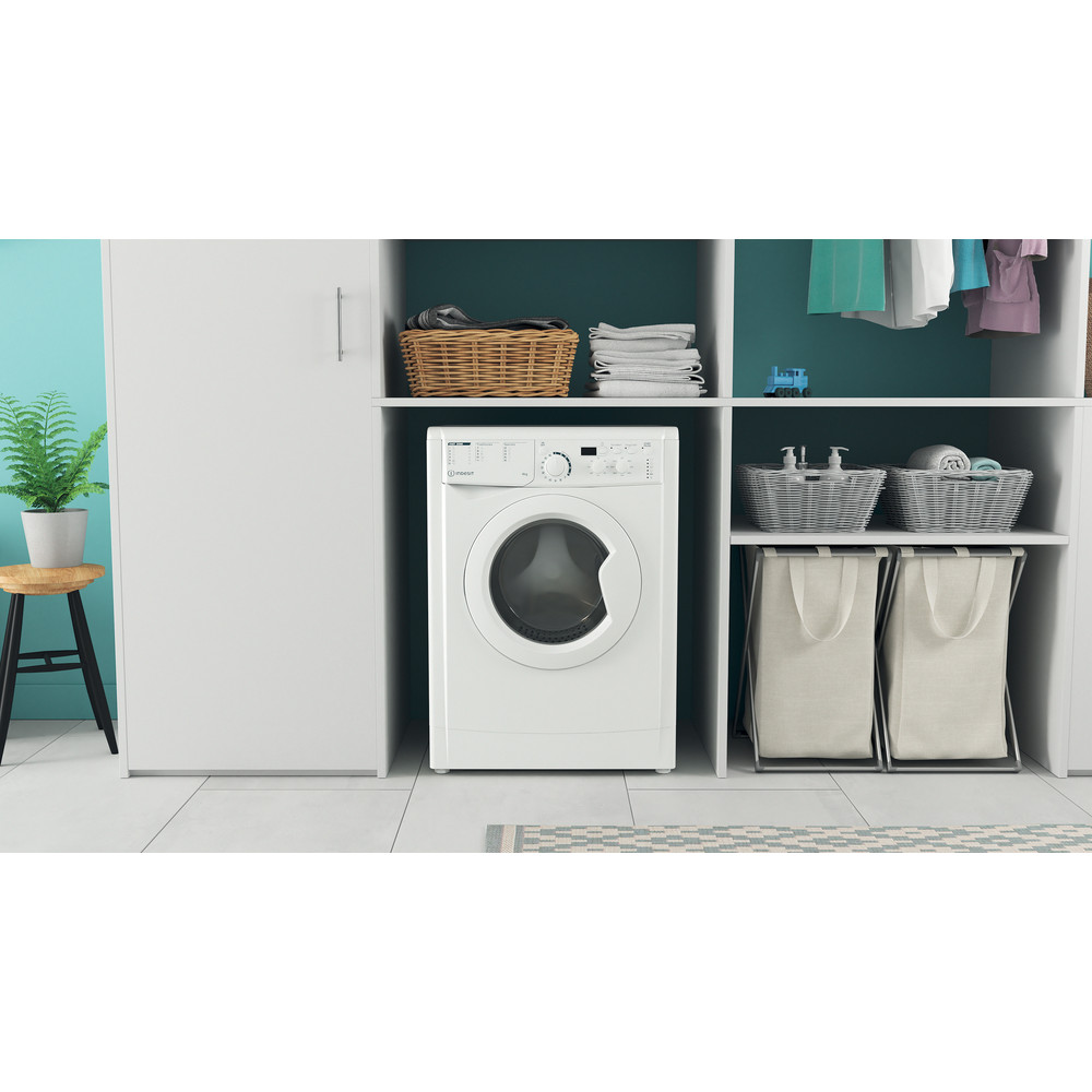 """""""Indesit"""" Skalbimo mašina Laisvai pastatoma EWUD 41051 W EU N Balta Pakraunama iš priekio F Lifestyle frontal"""