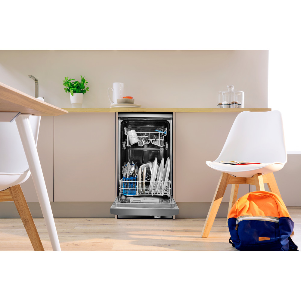 Indesit Посудомоечная машина Отдельно стоящий DSR 15B1 S EU Отдельно стоящий A Lifestyle frontal open