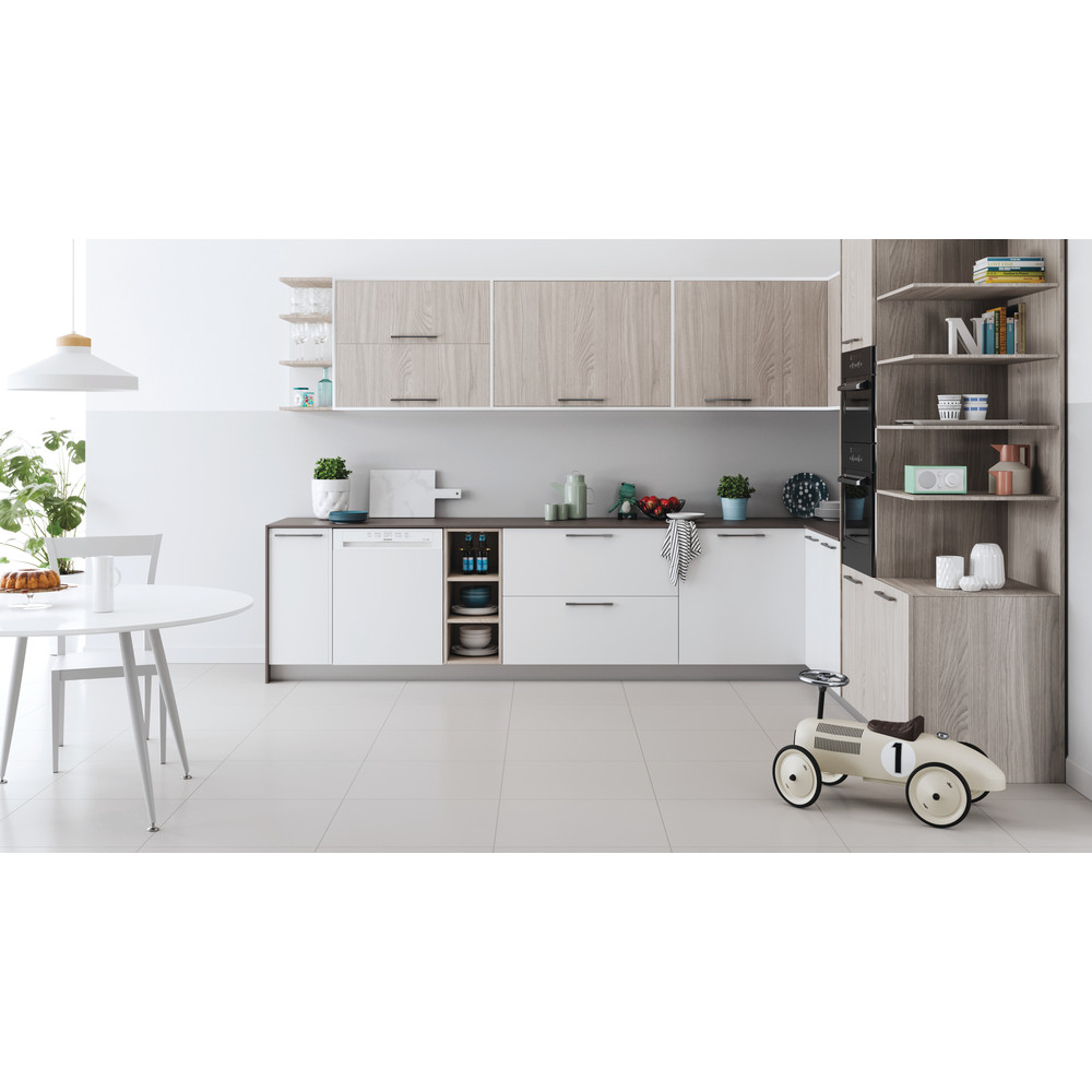 Indesit Dishwasher Built-in DBE 2B19 UK Half-integrated F Lifestyle frontal