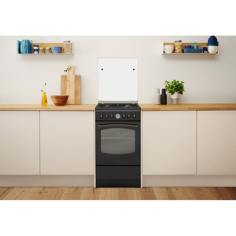 Indesit Sporák IS5G8MHA/E Antracit Plyn Lifestyle frontal