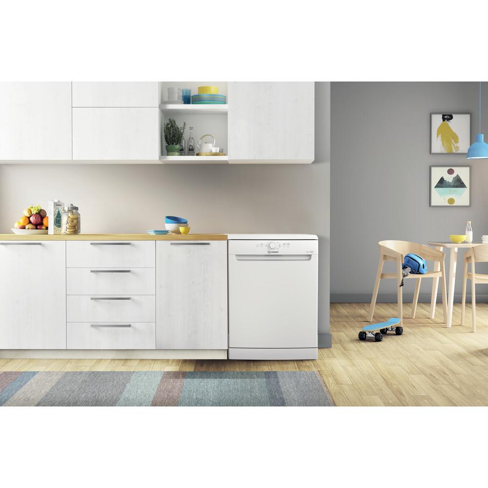 Indesit Посудомоечная машина Отдельностоящий DFE 1B10 Отдельностоящий A Lifestyle frontal