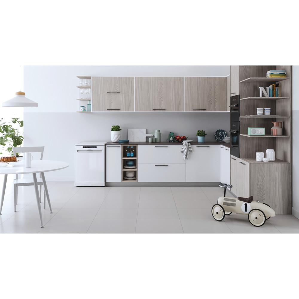 Indesit Dishwasher Free-standing DFC 2B+16 UK Free-standing F Lifestyle frontal