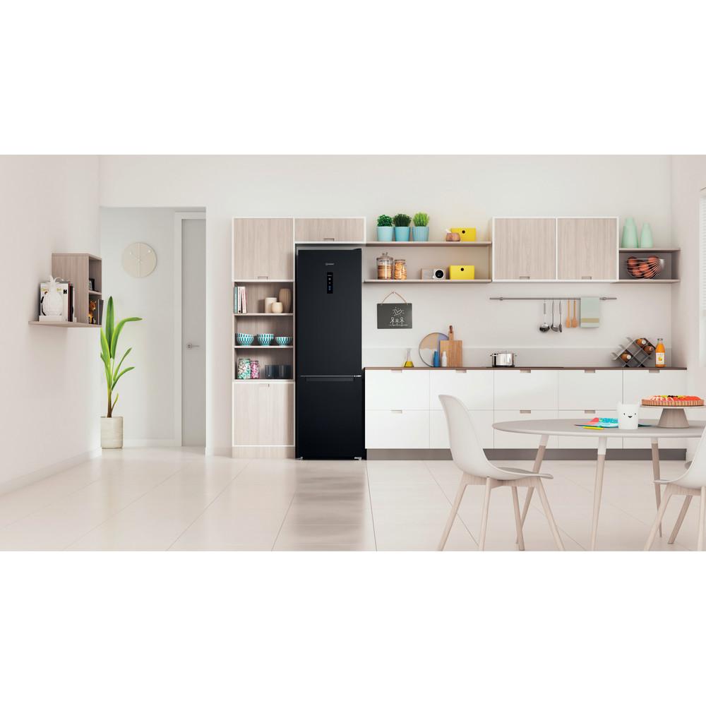Indesit Холодильник с морозильной камерой Отдельностоящий ITS 5200 B Черный 2 doors Lifestyle frontal