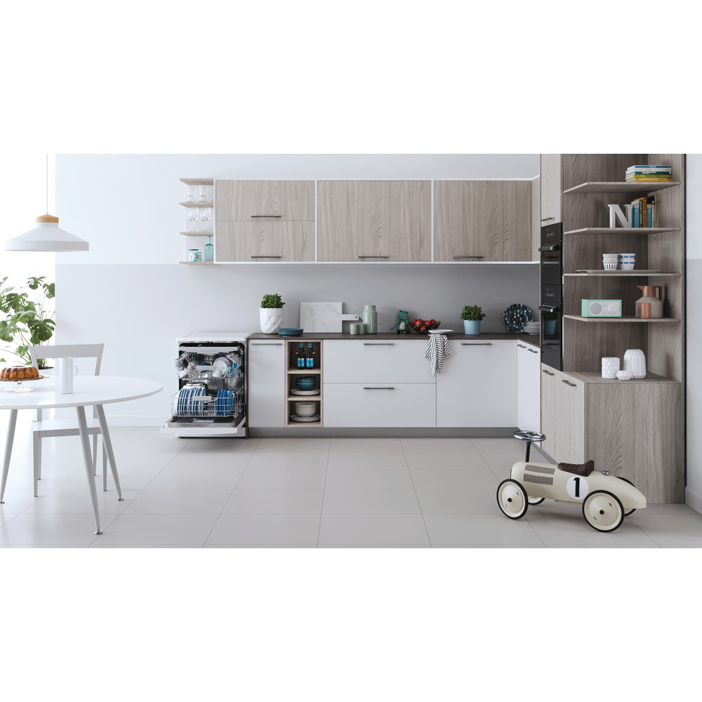 Indesit Dishwasher Free-standing DFO 3T133 F UK Free-standing D Lifestyle frontal open