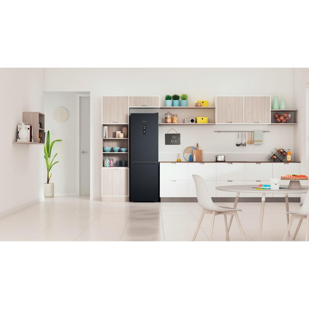 Indesit Réfrigérateur combiné Pose-libre INFC8 TO22K Noir 2 portes Lifestyle frontal